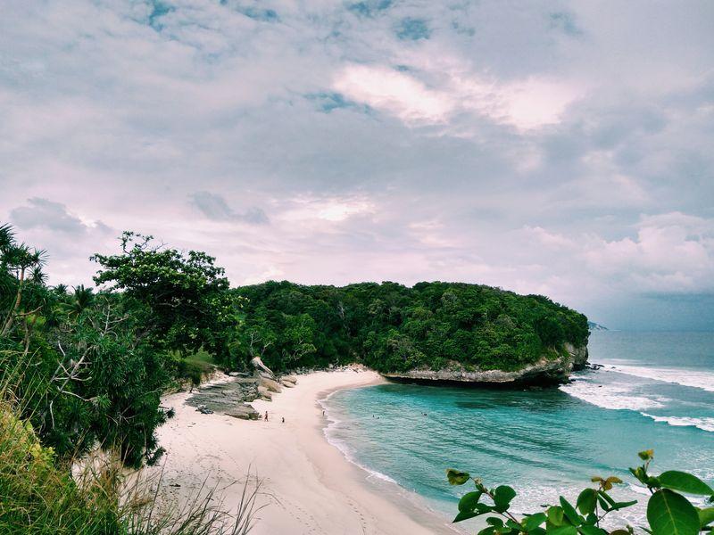 surfing-sumba-indonesia