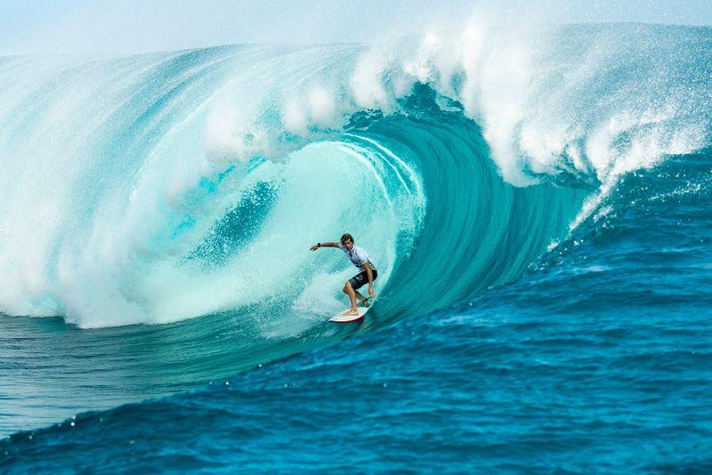 surf-teahupoo