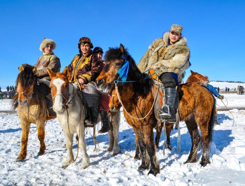 horsemen-mongolia