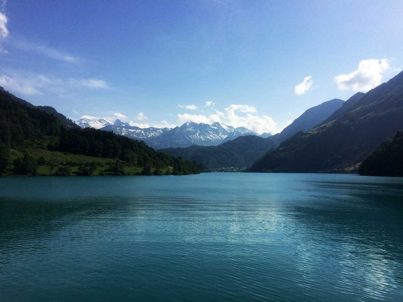 sup-lake-lungern-switzerland