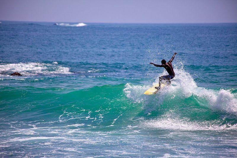 surfing-mirissa-sri-lanka