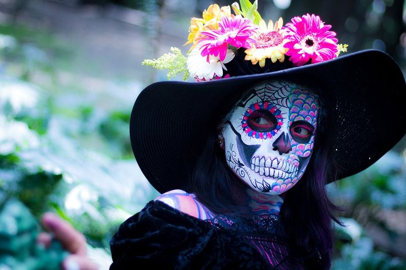 skull makeup with flowers