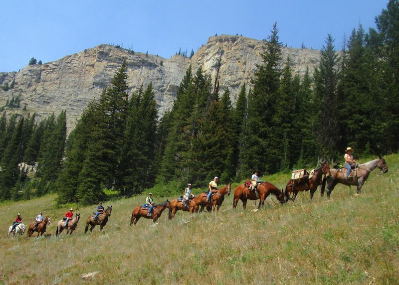 pack-trips-montana