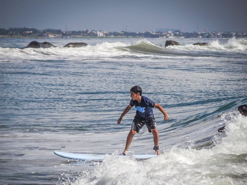 surfing-kovalam-kerala-india