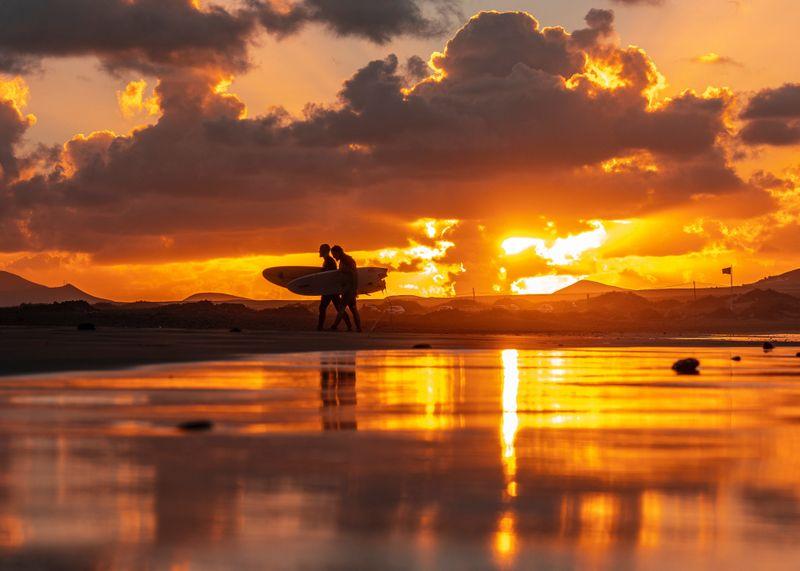 surfing-canary-islands-famara