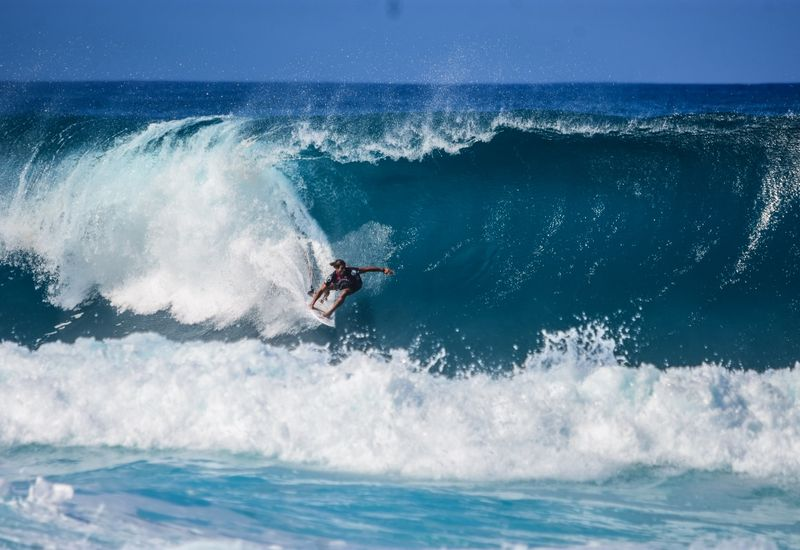 surf-north-shore-oahu-hawaii