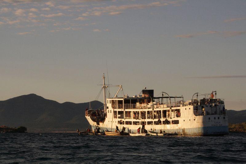 lake-malawi-cruise