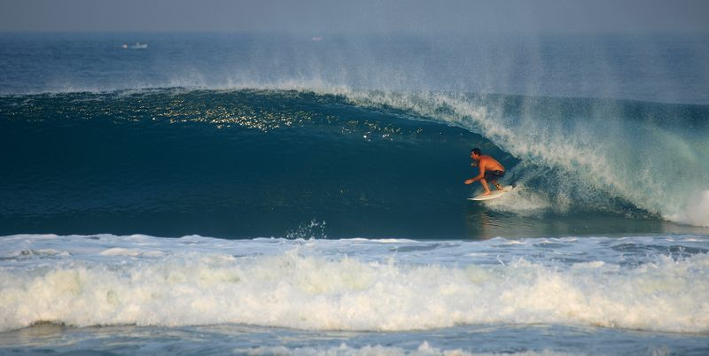 surfing-mexico-puerto-escondido