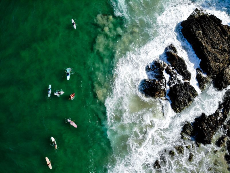 surfers-byron-bay-australia