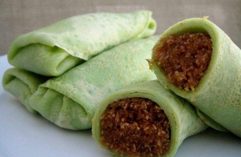 Kuih-gulung-dessert-singapore