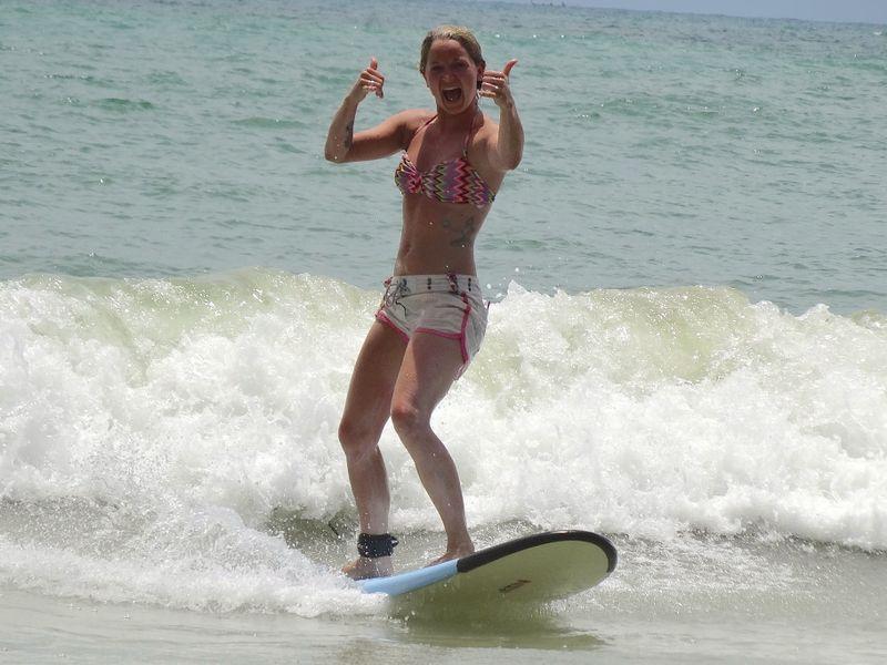 budget-surf-camp-thailand