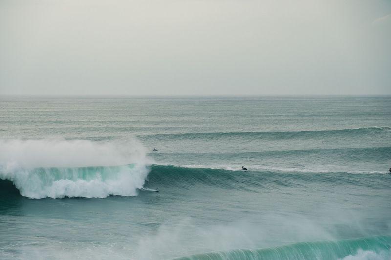 surfing-nazare