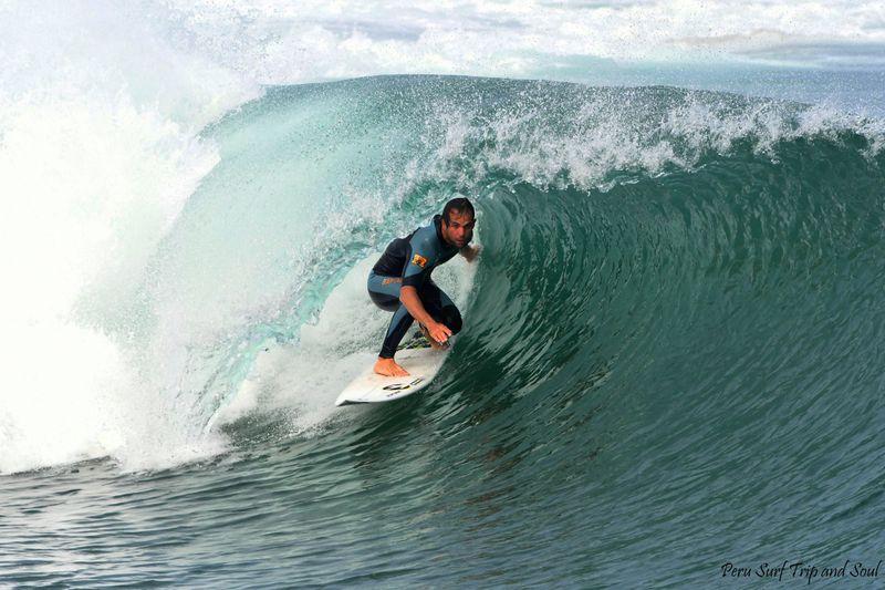 surfing-peru