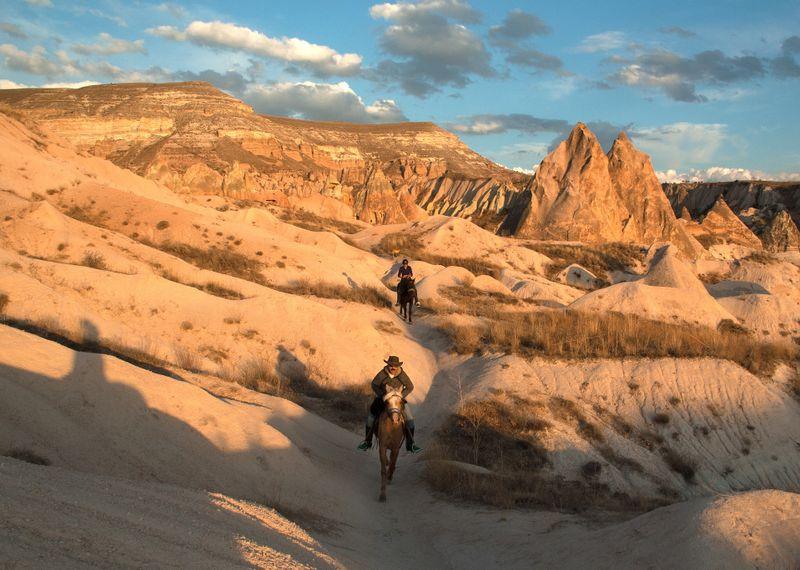cappadocia-horseback-riding