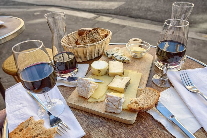 wine and cheese holiday