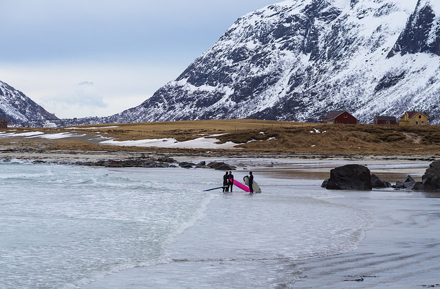 surfing-lofoten-norway
