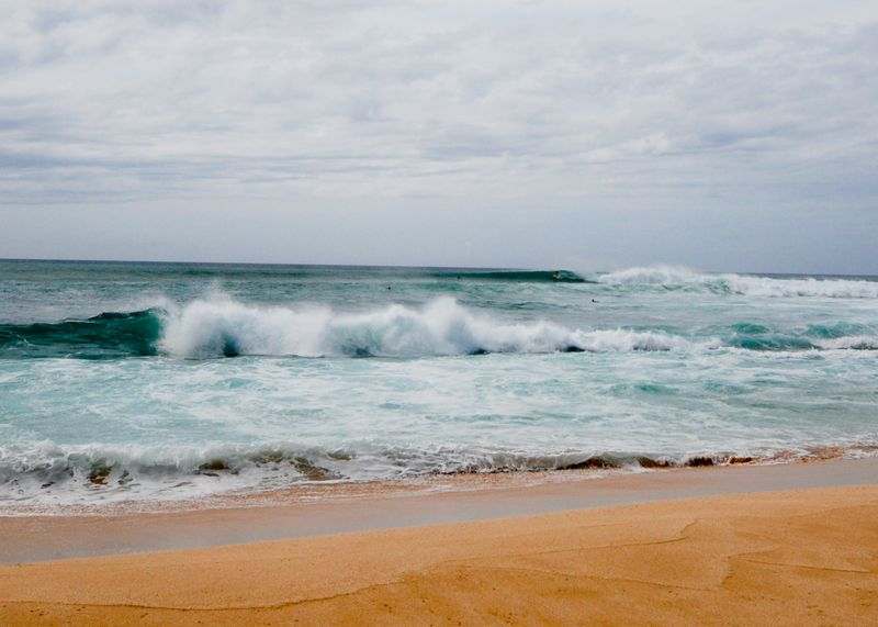 surf-waimea-bay-north-shore-oahu