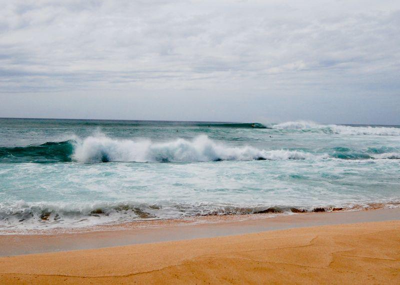 surf-waimea-bay-north-shore-oahu