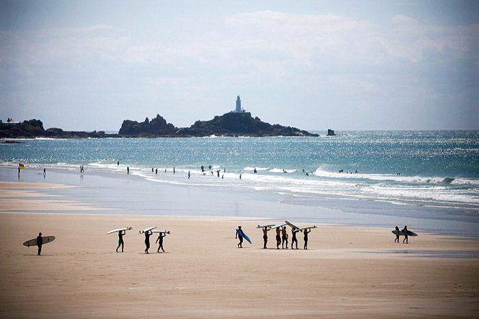 surfing-st-ouens-bay-uk
