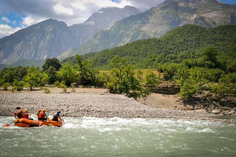 rafting-albania-Vjosa-river