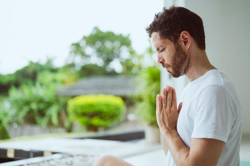 meditation-retreats-benefits