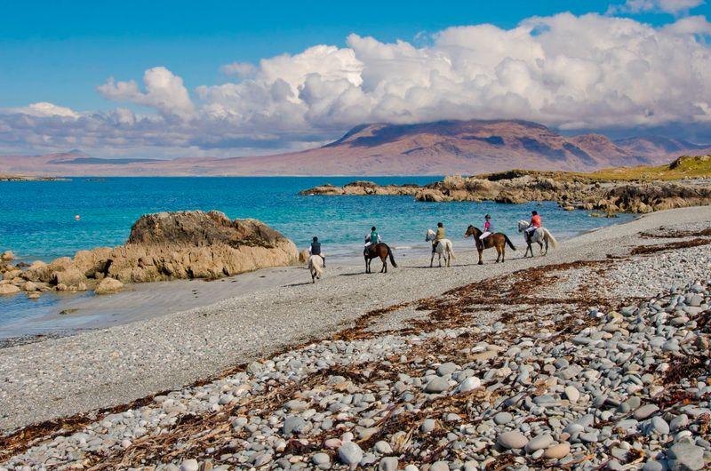 horse-riding-connemara-ireland