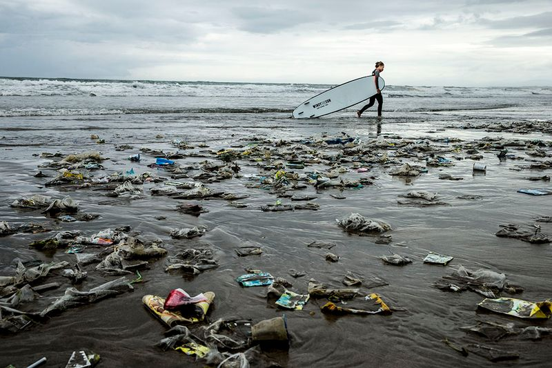 plastic-pollution-beach