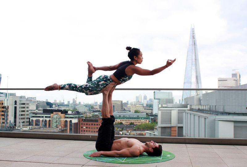 elements-of-acro-yoga