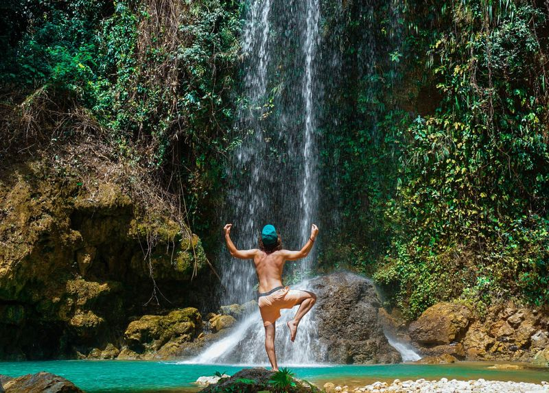 benefits-practice-yoga-outdoors
