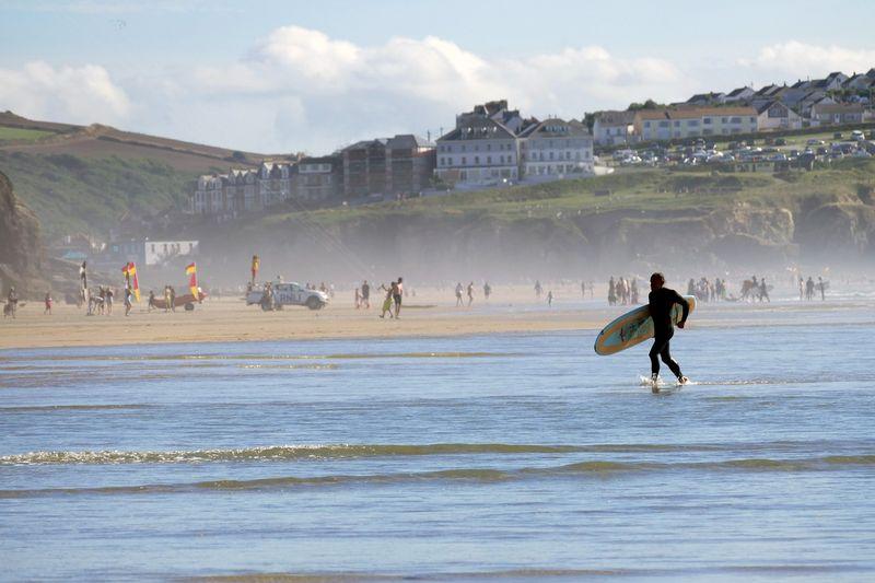 surfing-newquay-england