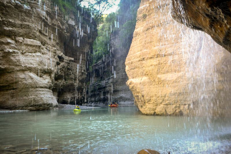 rafting-albania-Osumi-river