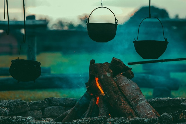 camp-fire-cooking