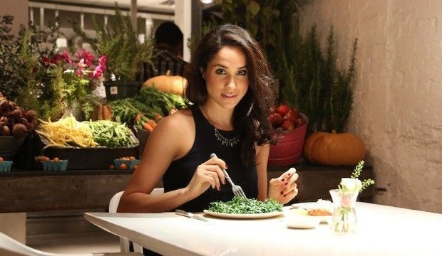 Meghan Markle eating