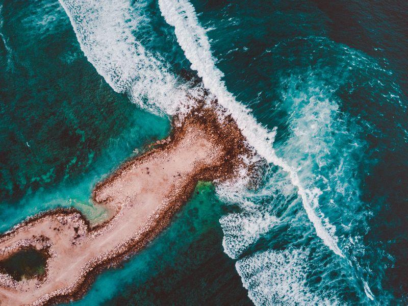 surfing-ecuador