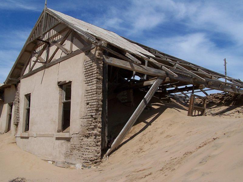 Kolmanskop ghost town namibia