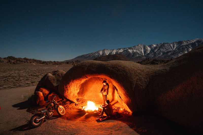 motorcycle-camping-fire