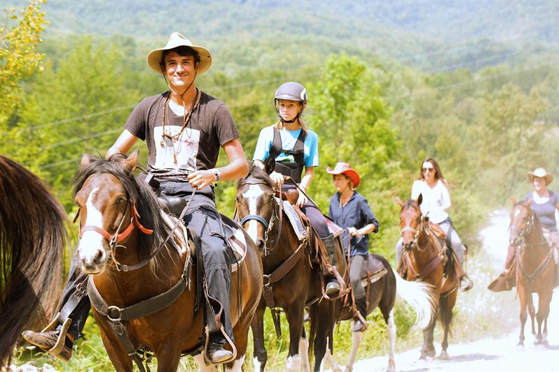 center-based-trail-riding-holidays