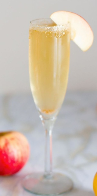 easy cocktails: apple cider mimosas