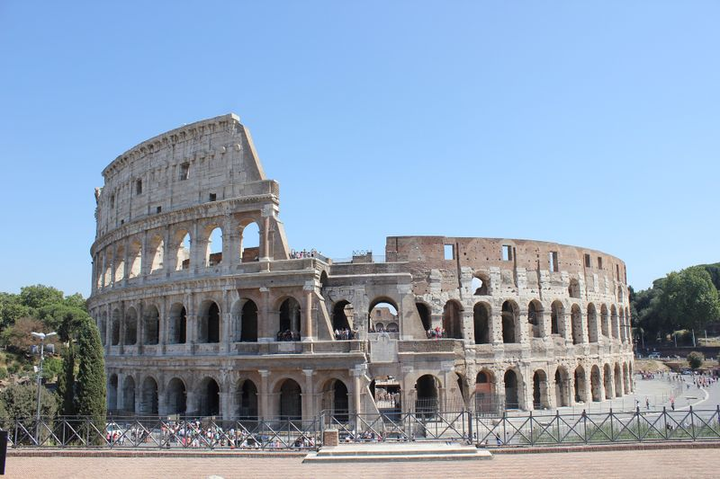colosseum image italy yoga destination