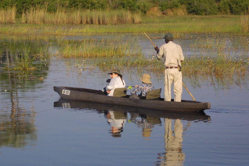 mokoro safari in okavango delta