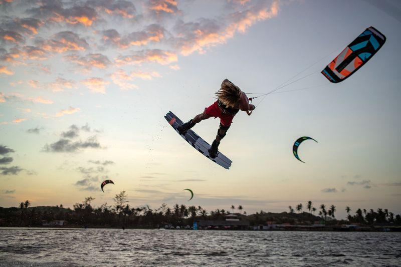 kitesurfing-cumbuco-brazil