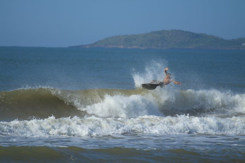 surfing-wipeouts