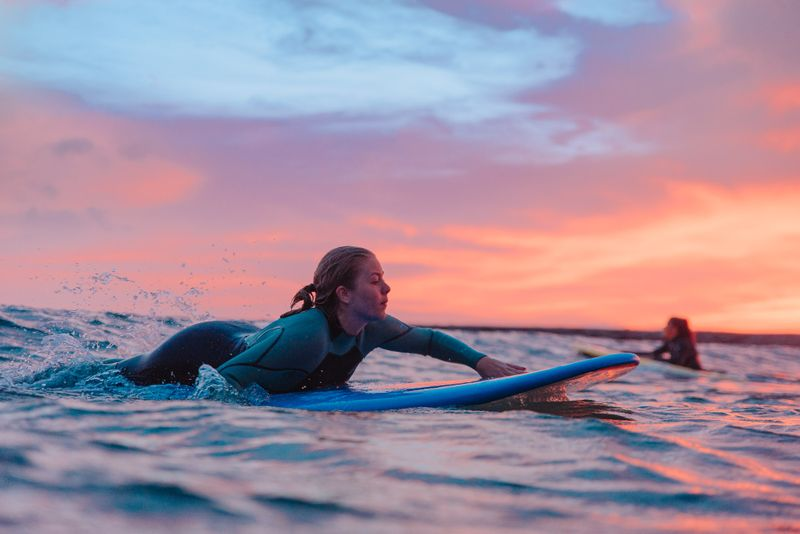 surfing-paddling-technique