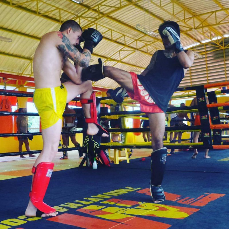Muay Thai practitioners in the ring