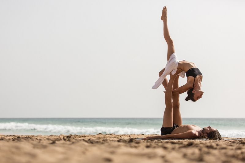 benefits-of-acro-yoga