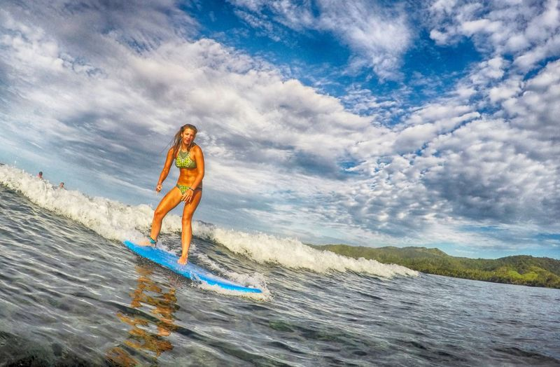surfing-coral-coast-fiji