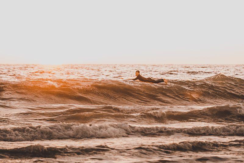 paddling-surfing