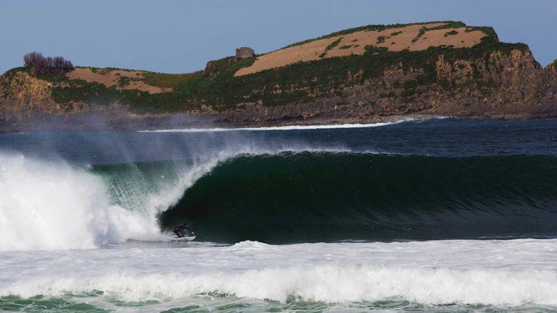 mundaka-wave-spain