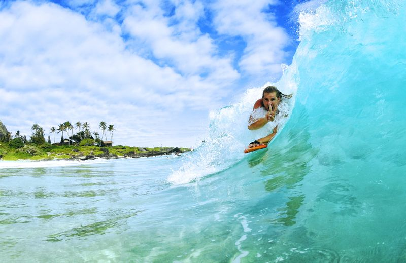 Surfing in Hawaii: Your Guide to the Best Waves - BookSurfCamps.com