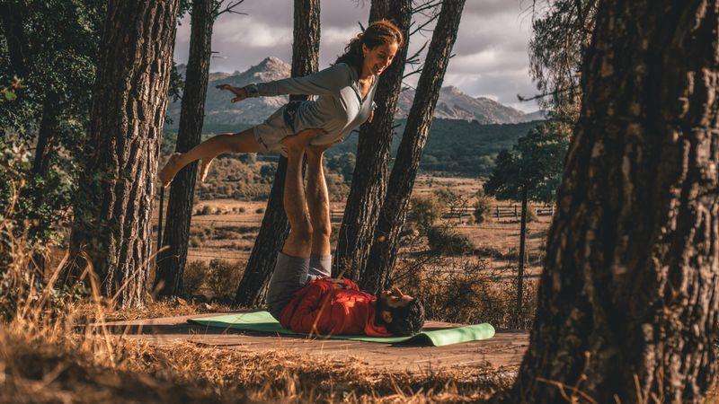 acro-yoga-history